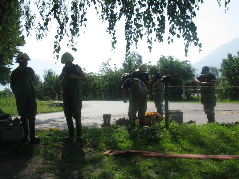 Bachsperrung_tuggen_020_06.2012
