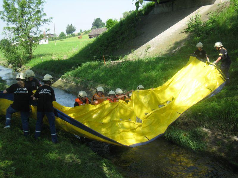 Bachsperrung_tuggen_023_06.2012
