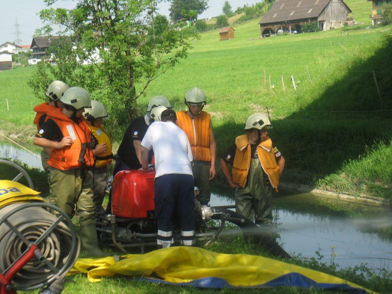Bachsperrung_tuggen_037_06.2012